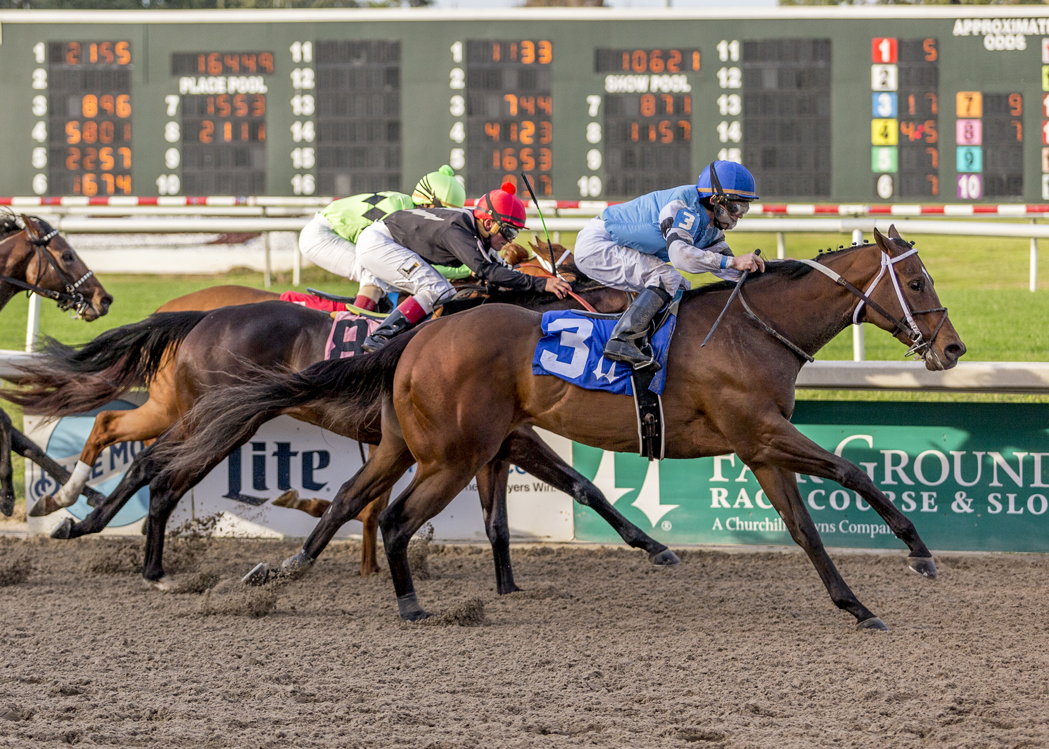Incorruptible keeps Tapiture's hot streak rolling